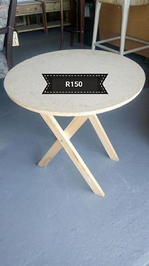 Light wooden round table