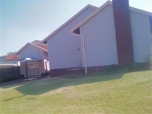 Three bedroom house to rent in Pine street, Lind Haven, Roodepoort, R7500 empty now.