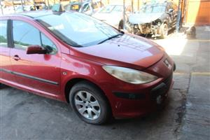 We are stripping Peugeot 307 1.6 16v auto