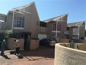 STUDENTS ACCOMODATION AT KING EDWARD STR.-WILLOWS -BLOEMFONTEIN