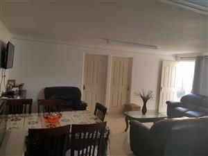2-bedroom separate entrance to rent in Retreat - R6000