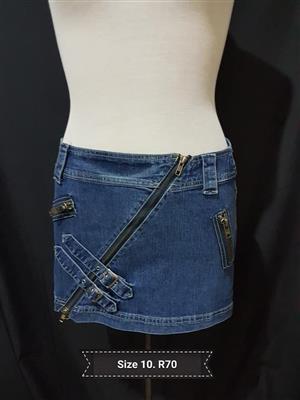 Size 10 very short denim skirt
