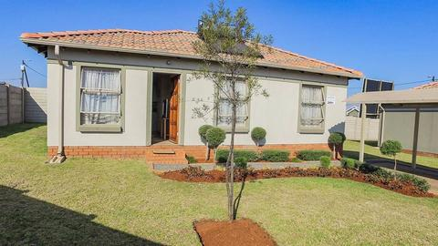 3 Bedroom House For Sale in Rayton, Rayton