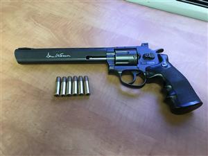 Dan Wesson 8inch co2 airsoft pistol