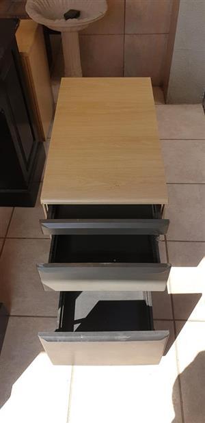 3 x 3 drawer filling cabinet