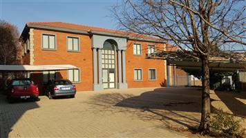 Kantoorblok 838 vk/m.10 kantoore Nuut baie netjies