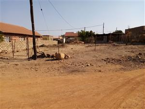 Empty stand for sale in Temba Unit 1 Rockville.Very big land. Fully serviced. Water, sewage,electricity.