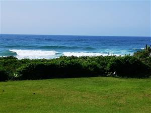 Beautiful, secure selfcatering unit ON beach, see the sea, hear the sea, sleeps 6 Hibberdene