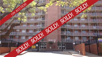 SOLD! Spacious 3 Bed Flat in neat secure apartment building in Wonderboom South!