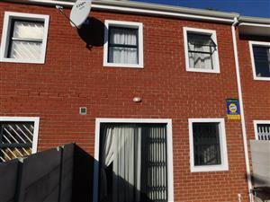 3 Bedroom Townhouse for Sale in Labiance Bellville
