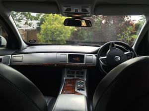 JAGUAR XF FACELIFT AND PREFACELIFT DASHBOARD AND ELECTRONICS