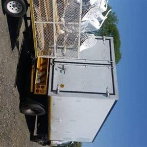 8 Ton truck closed body for hire