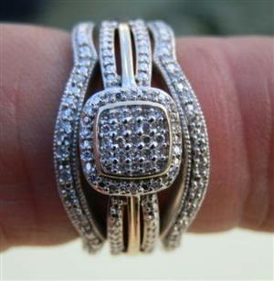 Diamond ring set!! Negotiable.