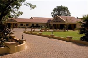 Upmarket Self-catering Furnished Serviced Units to rent in Rynfield Benoni
