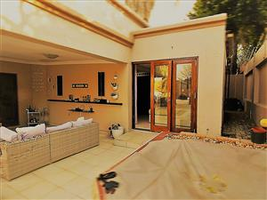 BEAUTIFUL, IMMACULATE & SPACIOUS CLUSTER TO RENT IN RANDBURG
