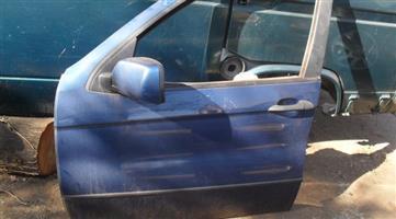 2004 bmw x5 e53 left front door shell