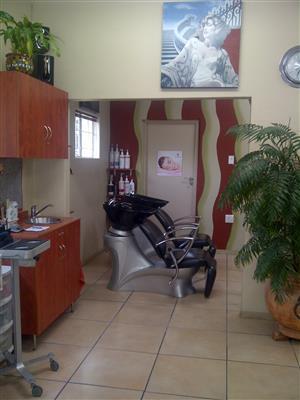 Hairstylist needed
