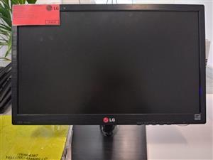 "Best Seller: LG 19EN33S-B Black 18.5"" Widescreen Monitor"