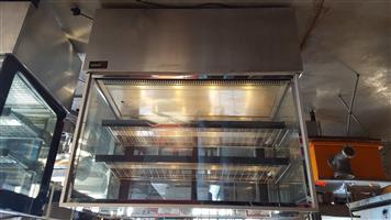 Salvadore pie warmer display