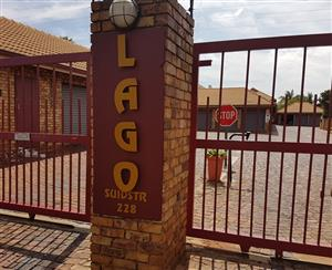 Lago: 1 En-Suite Room to rent R3 200 plus w&e +deposit equal to rent