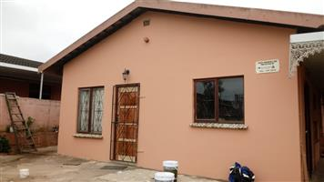 2 bedroom house for rent, neat, fully fenced R4300 a month