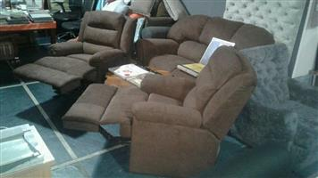 Lounge suite. 2x recliner chairs.