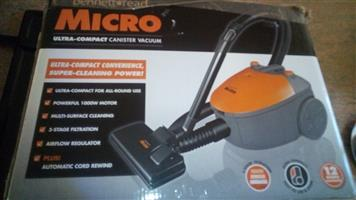 BENNET MICRO-COMPACT CANISTER Vacuum
