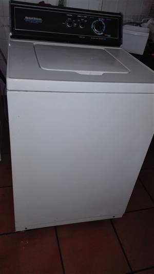 Speed queen heavy-duty washing machine