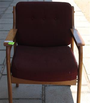 Red chair S032286A #Rosettenvillepawnshop