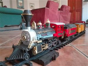 New Bright 1986 Vintage Great American Express Model Train Set.