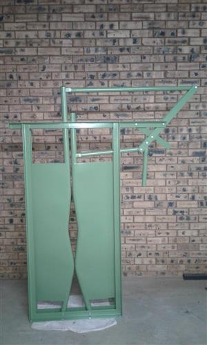 Cattle Neck Clamp and Scales