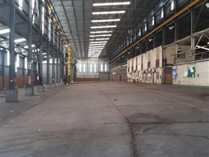 2400 sqm WAREHOUSE WITH OVERHEAD CRANE on massive 10 000 sqm yard with offices TO LET!!