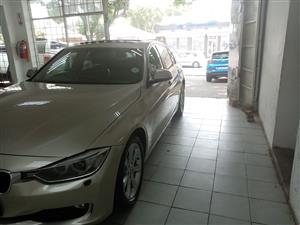 2015 BMW 3 Series 320i Exclusive