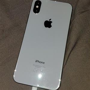 selling iphone xs 64gb
