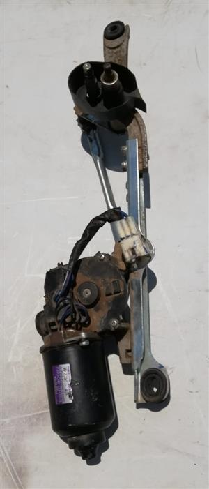 TOYOTA YARIS/ETIOS WIPER MOTOR COMPLETE WITH LINKAGE
