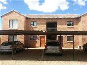Langenhovenpark, Bloemfontein, lieflike 2 slaapkamer luukse woonstel binne in  sekuriteits kompleks