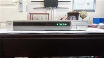 Vintage Retro PHILIPS F2233 FM/AM Digital Stereo Tuner