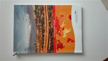 Text Book Macroeconomics Unisa Study Guide ECS2602 for sale  Pretoria - Pretoria East