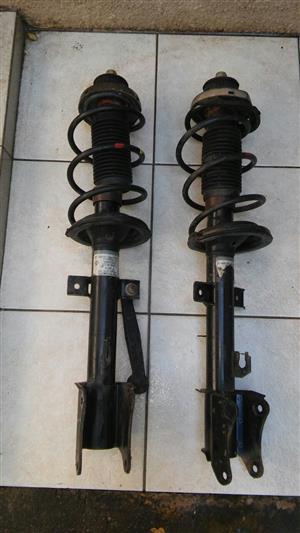 Alfa 147 struts