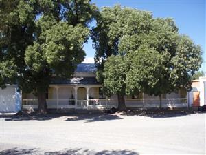 Residential property in Hanover Karoo( Halway betwwen  CPT $ JHB)