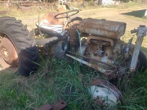Vaaljapie Petrol Tractors x2