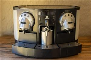 Nespresso Gemini CS220 Coffee Machine