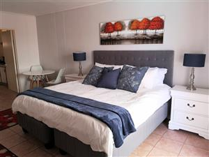 Fully Furnished 1 bed apartment in Sunset Beach
