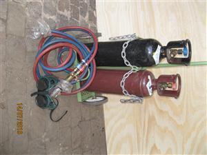 Portable Oxy/Acytelyne welding set.