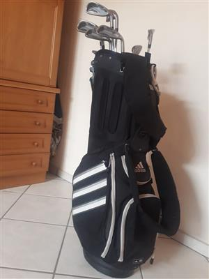 NICKLAUS EZUP SET OF IRONS  3-9  SAND WEDGE AND WEDGE  INCLUDING ADIDAS GOLF BAG