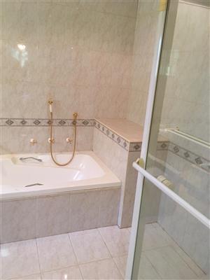 Private room to rent Waterkloof Area in big houde