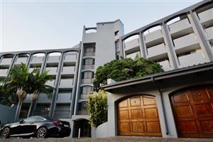 Trendy up-market 2-bedroom apartment to rent in Menlyn