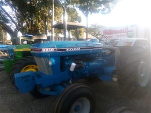 1993 Blue Ford 6610