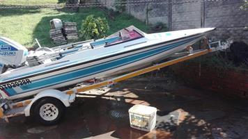 Scimitar 430 Boat