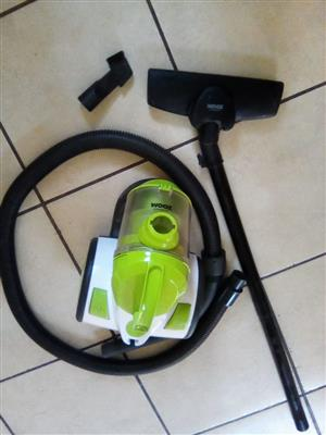 Bennett Zoom Vacuum Cleaner